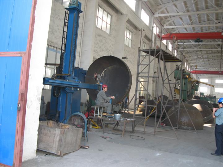 球形封头自动焊接中心